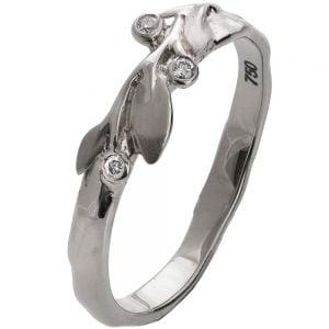 טבעת בגימור טבעי משובצת יהלומים עשויה פלטינה LEAVES #9D